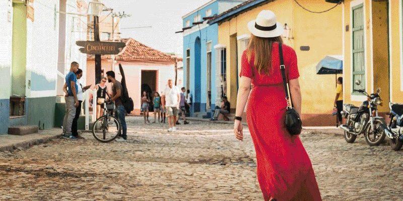 Women Traveling solo 1_800x450
