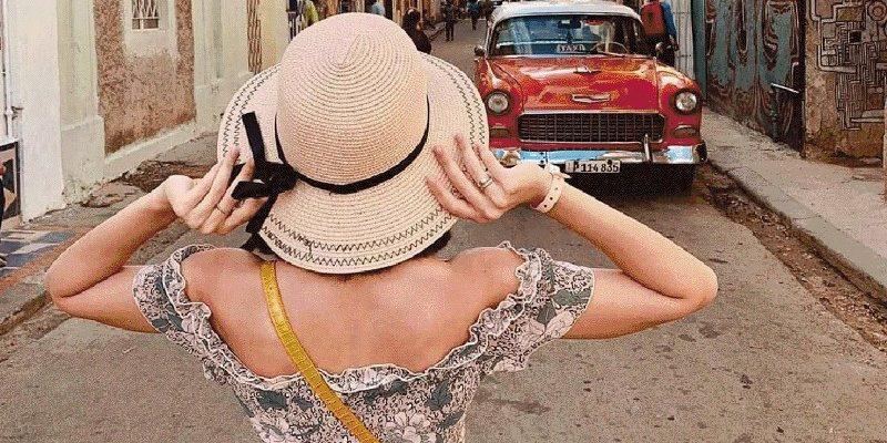 Women Traveling solo 2_800x450